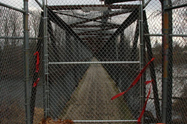 Pedestrian footbridge closed